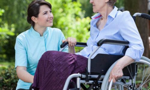Aide socio-familiale en cours d'emploi